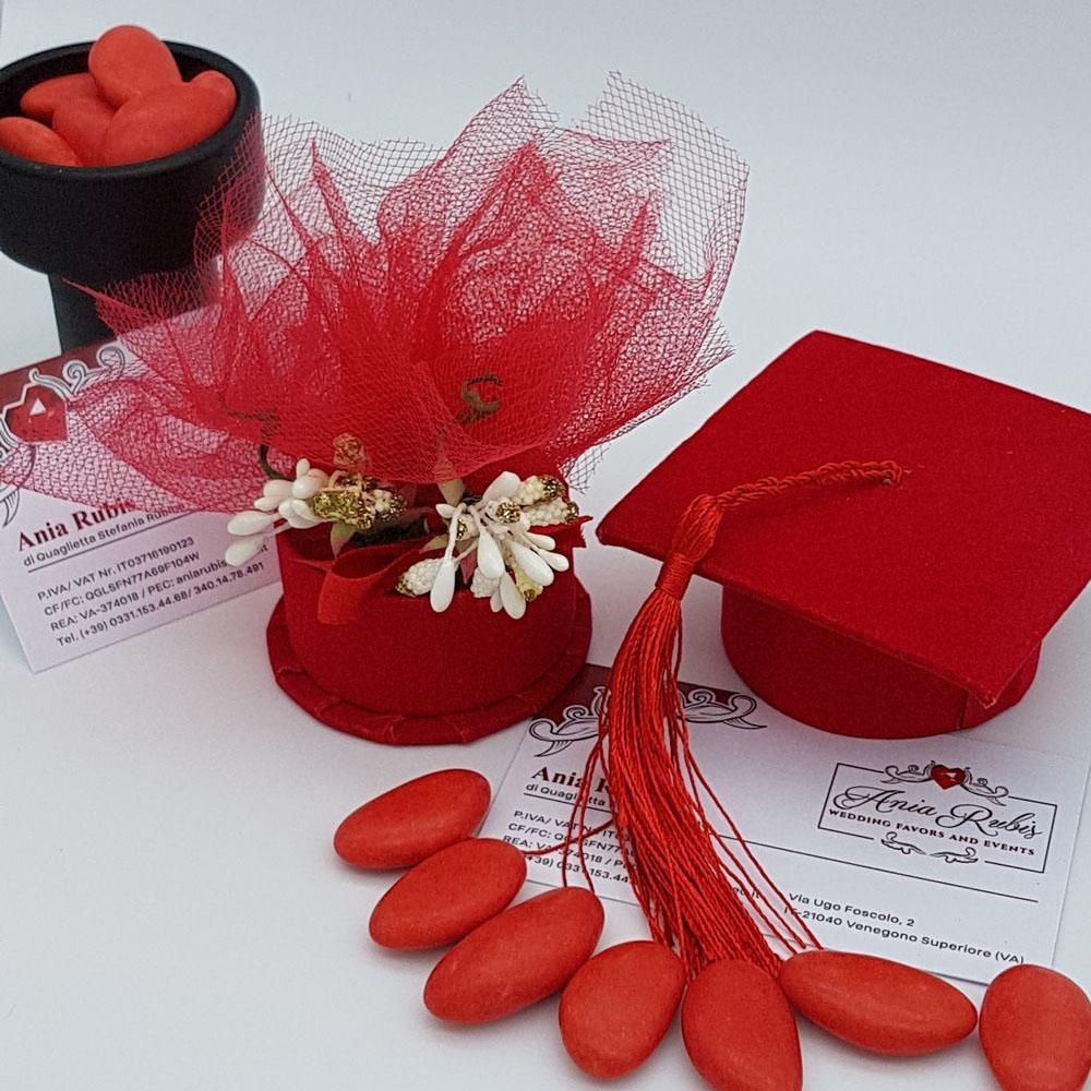 Cappello rosso, tocco Laurea completo